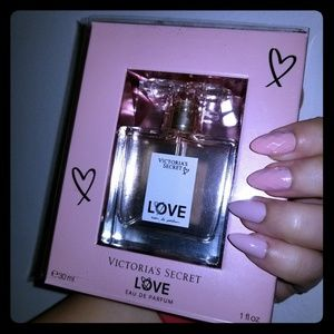 NWT Victoria's Secret Love